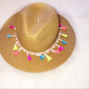 Straw tassel summer vacay hat/fedora